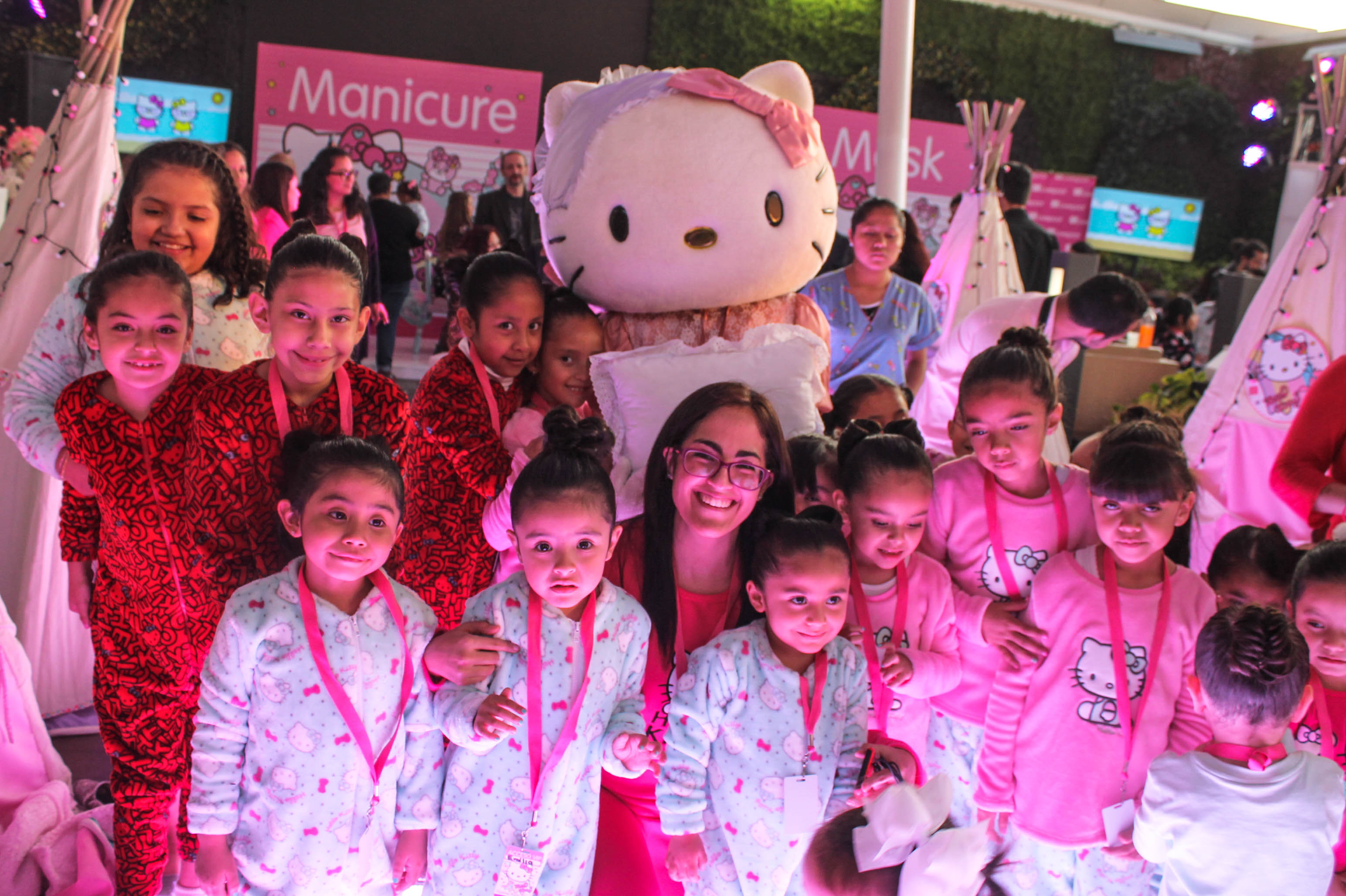 837da6e05 Hello Kitty celebra su cumpleaños con Pijama Party en Liverpool – Tycoon